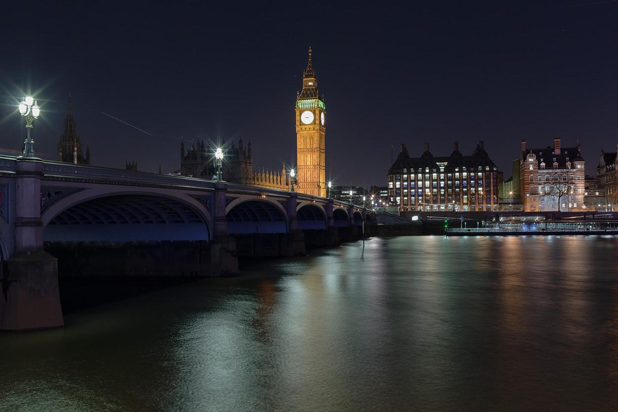 Big Ben em foto centralizada