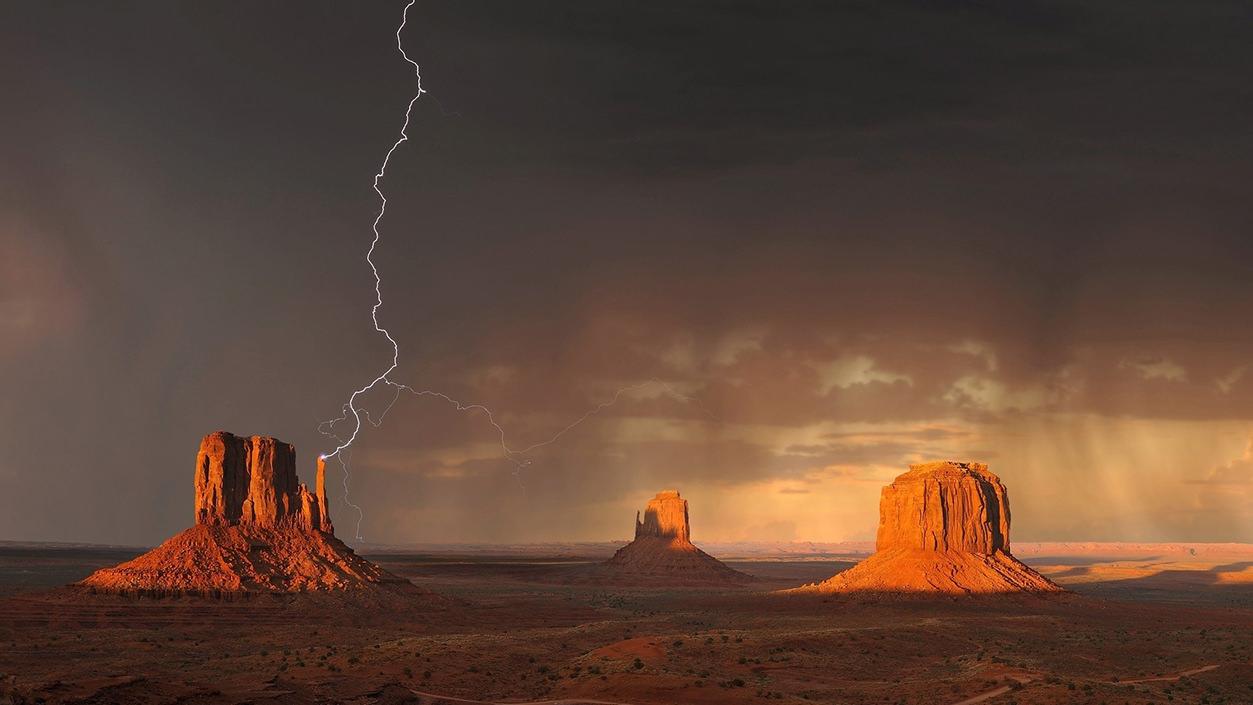 Tempestade no Monument Valley
